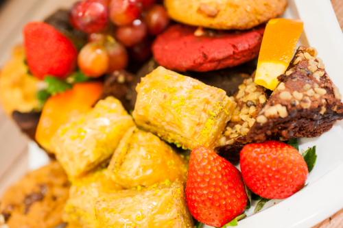 Cookie And Brownie Platters