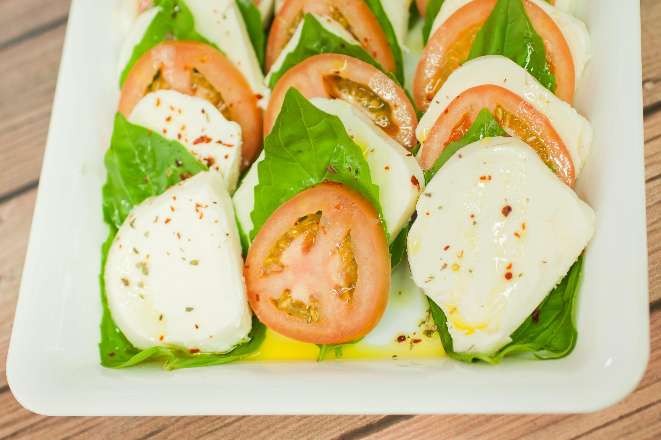 "Tomato & Mozzarella Platter <span class=""gf"">GF</span>, <span class=""v"">V</span>"